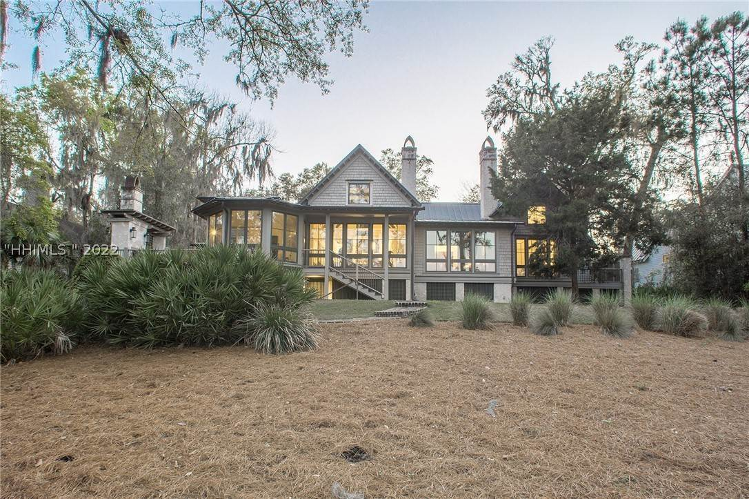4. Single Family Homes for Sale at 127 Mount Pelia Road Bluffton, South Carolina 29910 United States