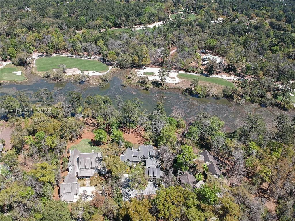 8. Single Family Homes for Sale at 127 Mount Pelia Road Bluffton, South Carolina 29910 United States