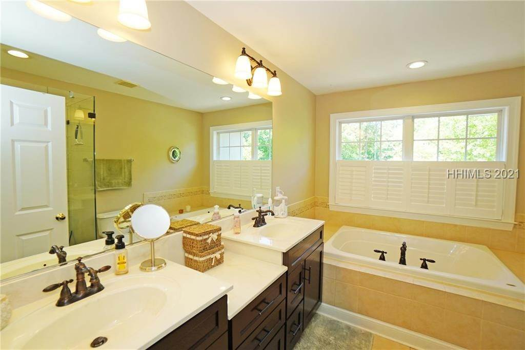 25. townhouses for Sale at 50 Sedgewick Avenue Bluffton, South Carolina 29910 United States