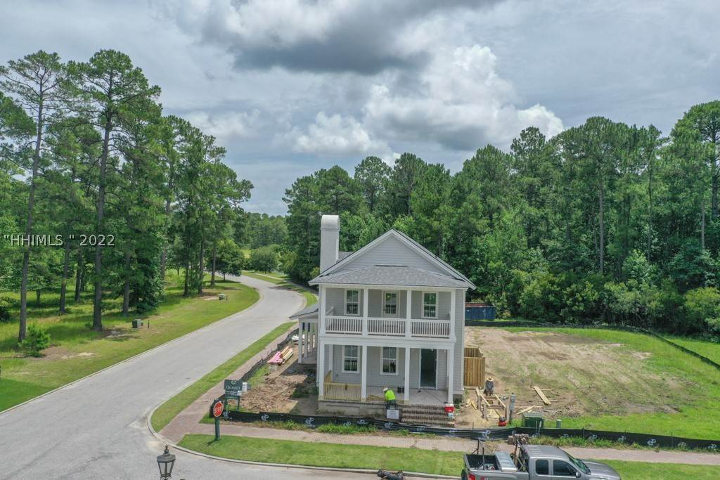 25. Single Family Homes for Sale at 36 Pondhawk Road Bluffton, South Carolina 29909 United States