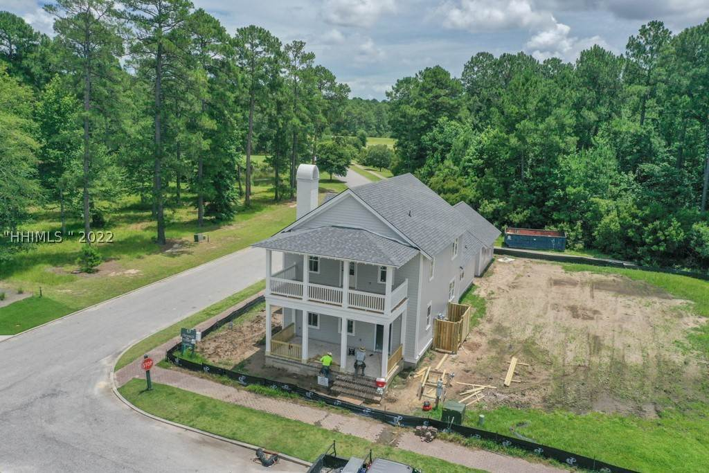 27. Single Family Homes for Sale at 36 Pondhawk Road Bluffton, South Carolina 29909 United States
