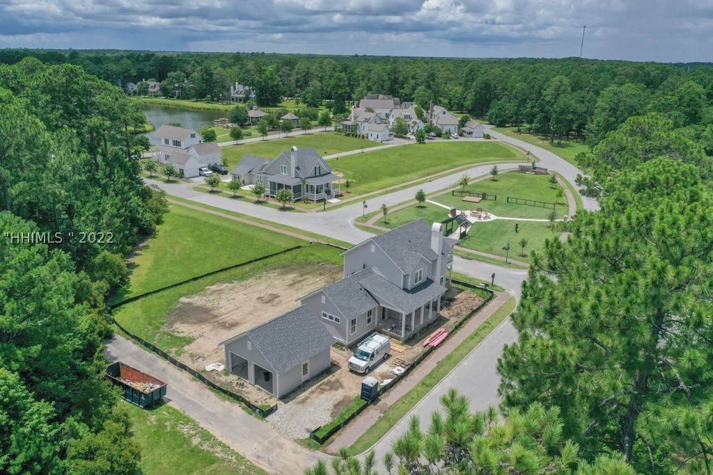 31. Single Family Homes for Sale at 36 Pondhawk Road Bluffton, South Carolina 29909 United States