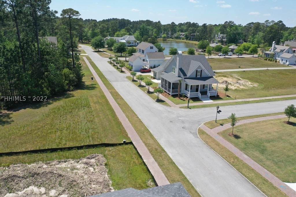 43. Single Family Homes for Sale at 36 Pondhawk Road Bluffton, South Carolina 29909 United States