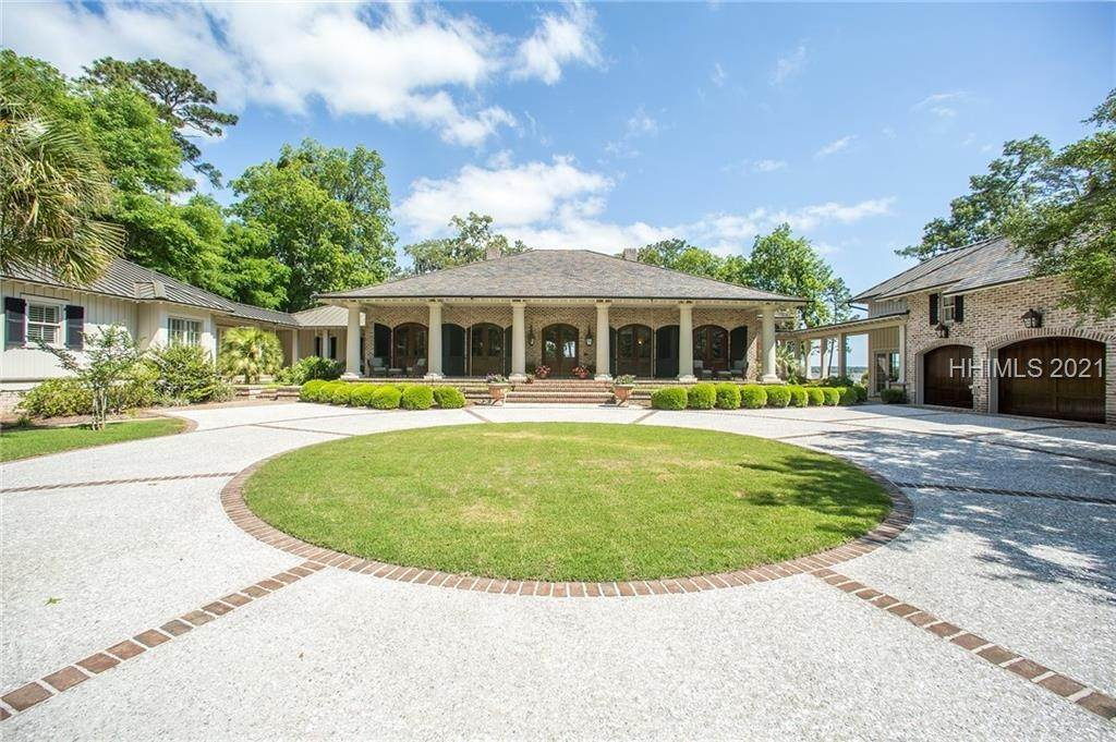 Single Family Homes for Sale at 401 Old Palmetto Bluff Road Bluffton, South Carolina 29910 United States