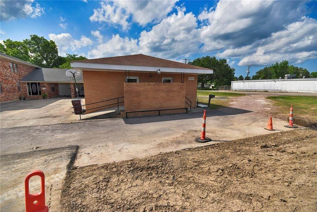 Commercial at 15160 HWY 90 Highway 15160 HWY 90 Highway Paradis, Louisiana 70080 United States