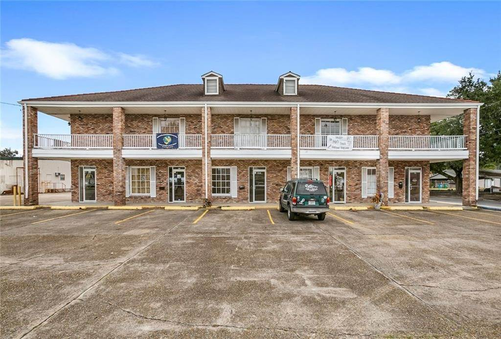 Commercial for Sale at 601-613 W JUDGE PEREZ Drive Chalmette, Louisiana 70043 United States