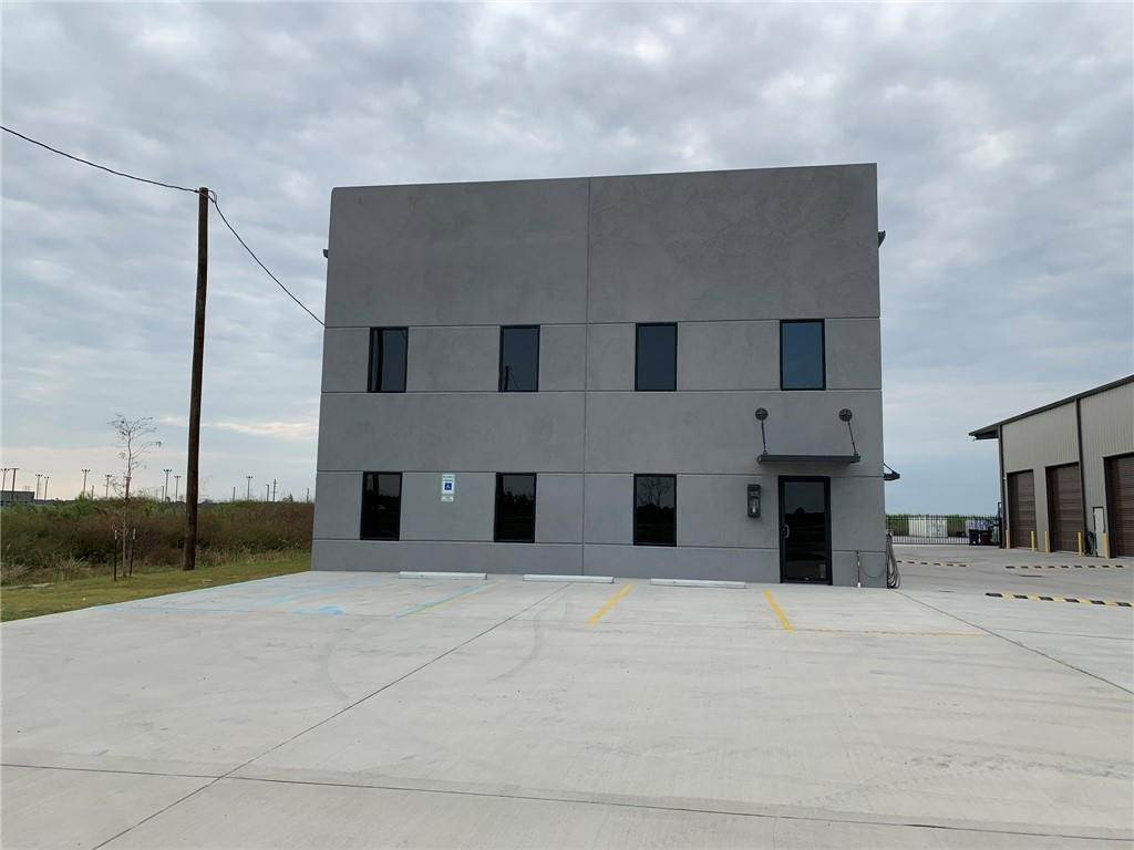 Commercial at 560 JUDGE EDWARD DUFRESNE Parkway Luling, Louisiana 70070 United States