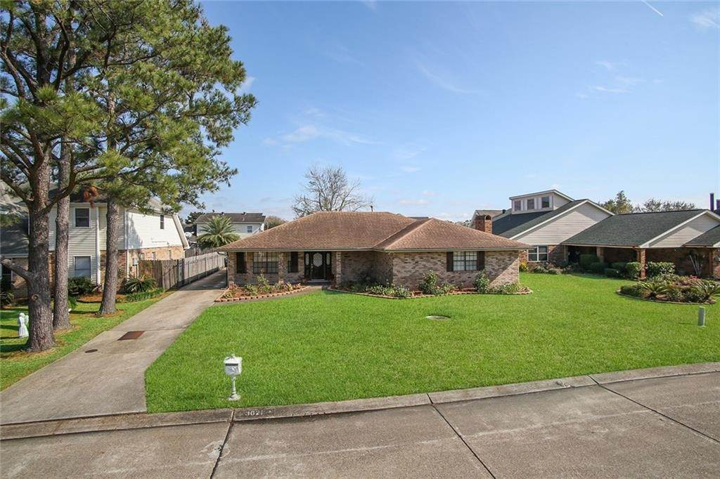 Residential for Sale at 3621 LAKE ARROWHEAD Drive Harvey, Louisiana 70058 United States