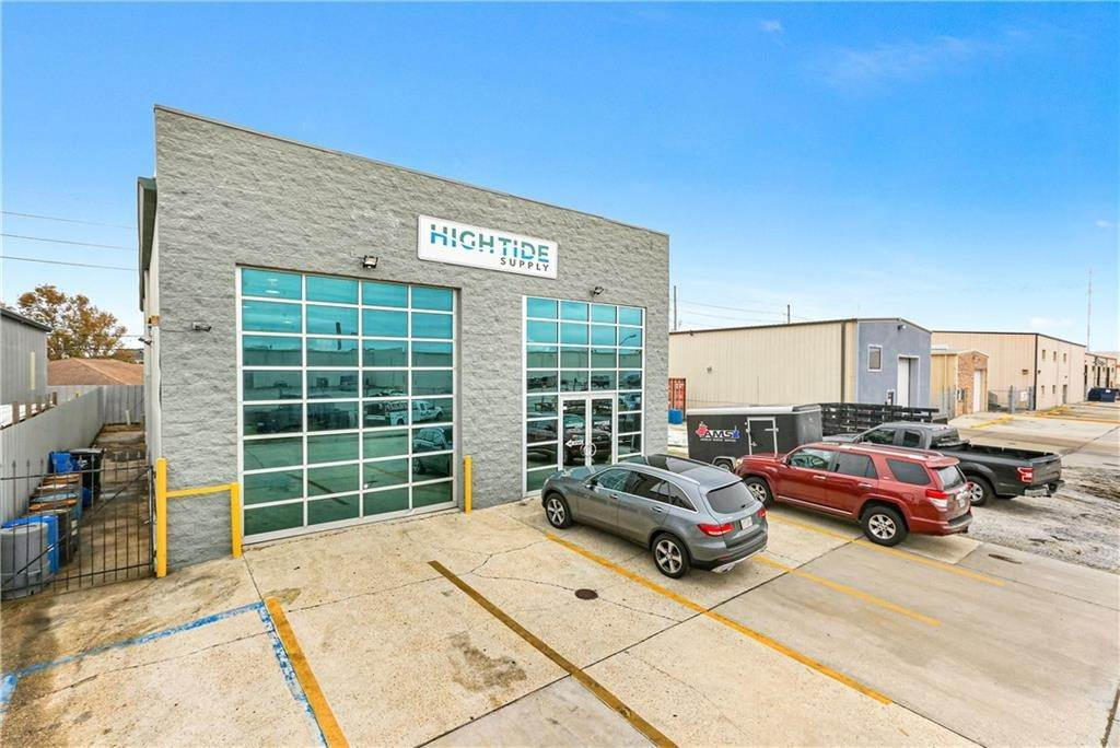 Commercial for Sale at 8401 PARC Place Chalmette, Louisiana 70043 United States