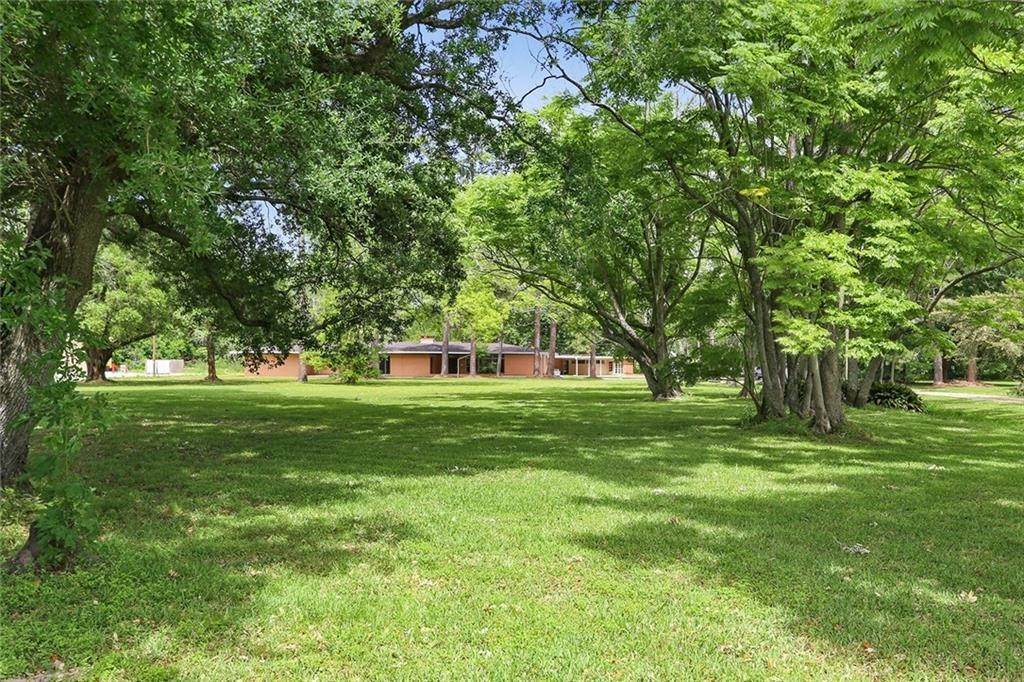 Residential for Sale at 15090 RIVER Road Hahnville, Louisiana 70057 United States
