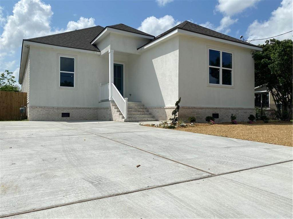 Residential for Sale at 1616 ALEXANDER Avenue Arabi, Louisiana 70032 United States