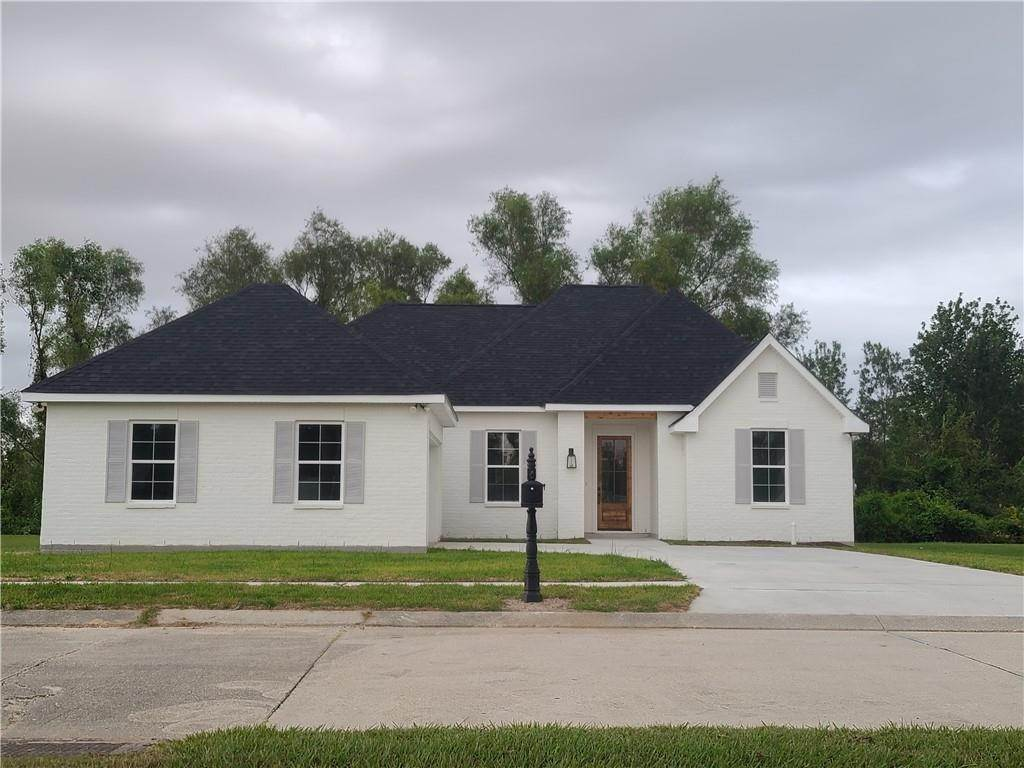 Residential for Sale at 3301 STORY PARK Boulevard 3301 STORY PARK Boulevard Meraux, Louisiana 70075 United States