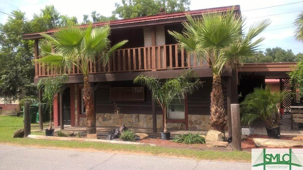 Residential Income for Sale at 3804 Old Louisville Road 3804 Old Louisville Road Garden City, Georgia 31408 United States