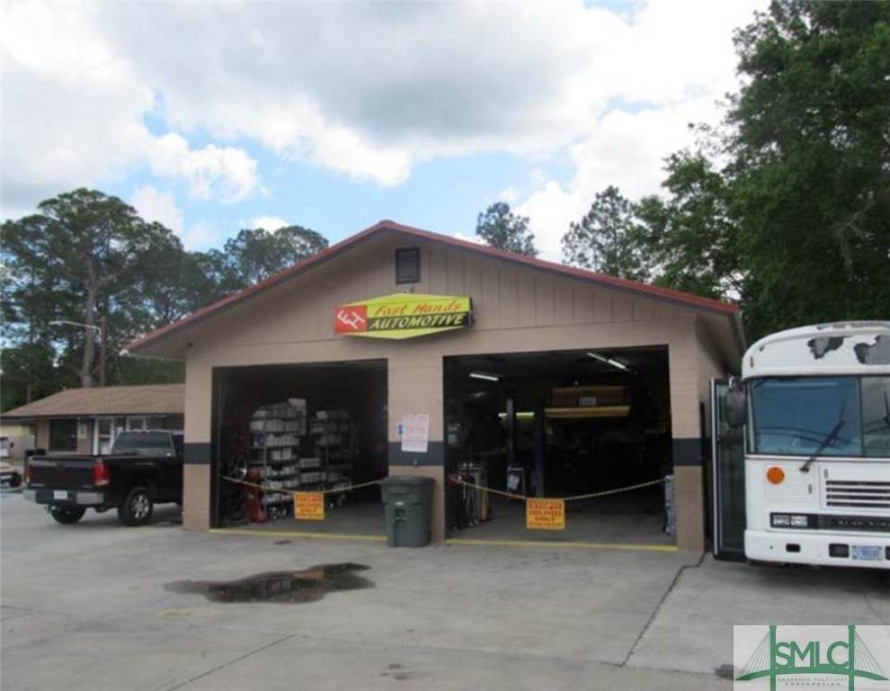 Commercial for Sale at 820 Elma G Miles Parkway 820 Elma G Miles Parkway Hinesville, Georgia 31313 United States