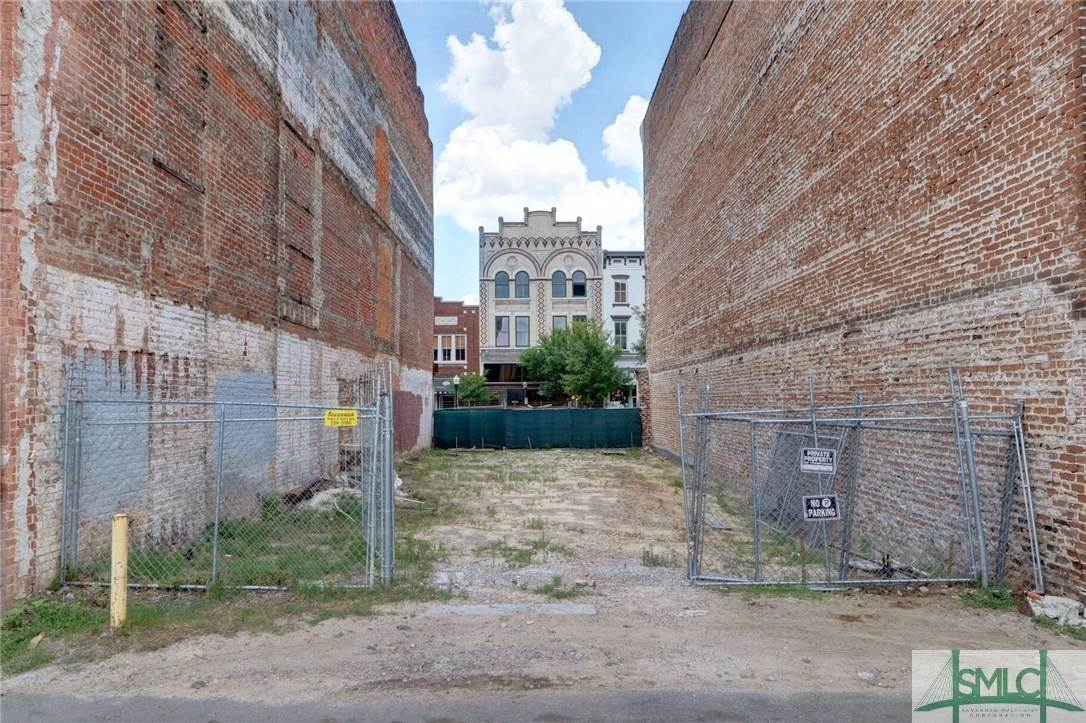 9. Residential Income for Sale at 215 W Broughton Street 215 W Broughton Street Savannah, Georgia 31401 United States