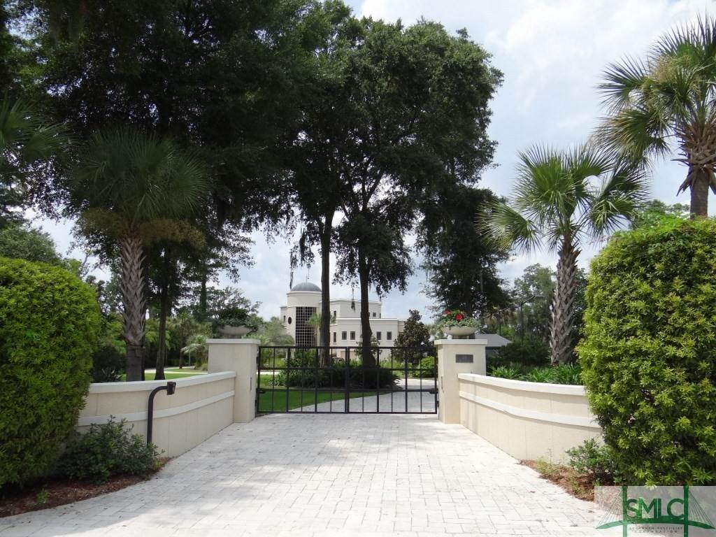 5. Residential for Sale at 54 Morningside Drive Savannah, Georgia 31410 United States