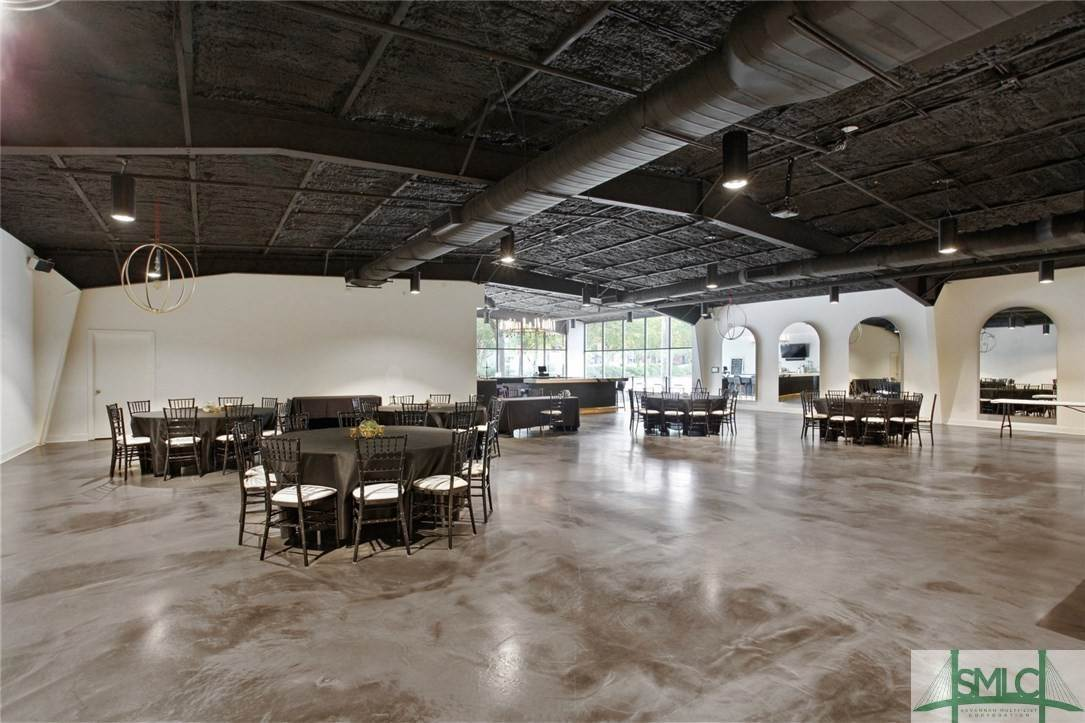 11. Commercial for Sale at 223 Martin Luther King Jr Boulevard Savannah, Georgia 31401 United States