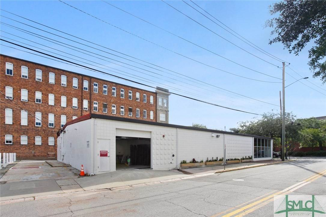 22. Commercial for Sale at 223 Martin Luther King Jr Boulevard Savannah, Georgia 31401 United States