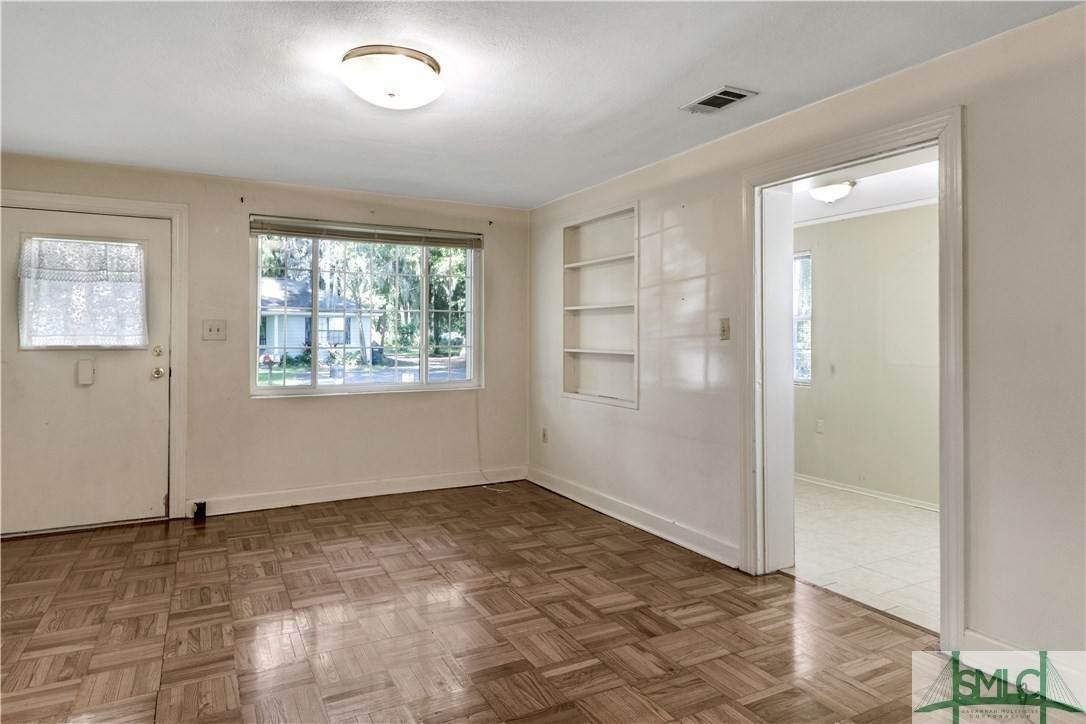 5. Residential for Sale at 103 Holcomb Street 103 Holcomb Street Savannah, Georgia 31406 United States