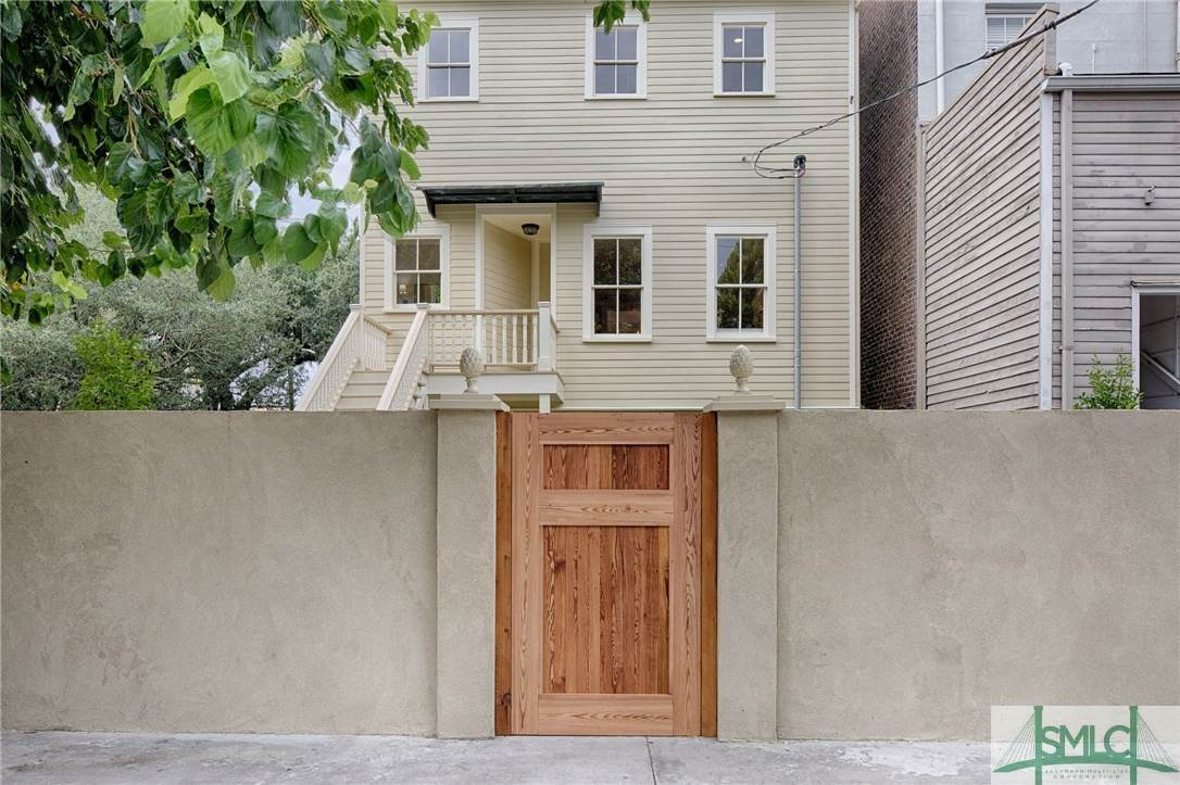 41. Residential for Sale at 114 W Liberty Street 114 W Liberty Street Savannah, Georgia 31401 United States