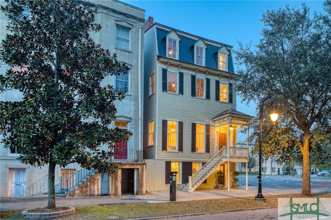 42. Residential for Sale at 114 W Liberty Street 114 W Liberty Street Savannah, Georgia 31401 United States