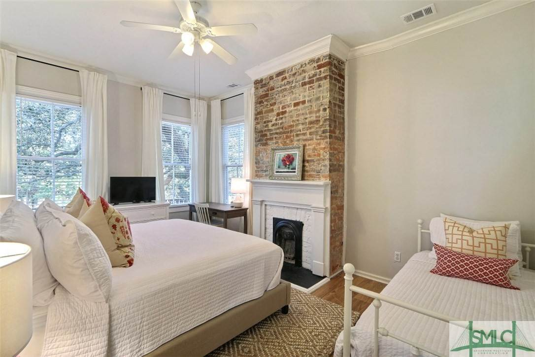 13. Residential Income for Sale at 519 E Broad Street 519 E Broad Street Savannah, Georgia 31401 United States