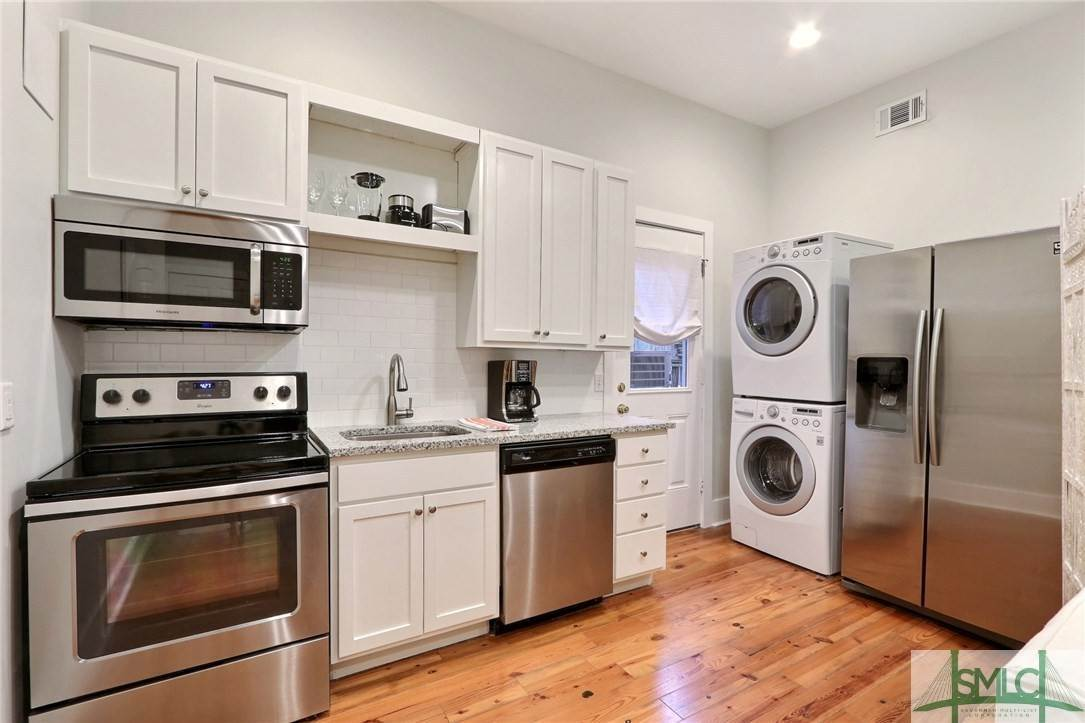 24. Residential Income for Sale at 519 E Broad Street 519 E Broad Street Savannah, Georgia 31401 United States