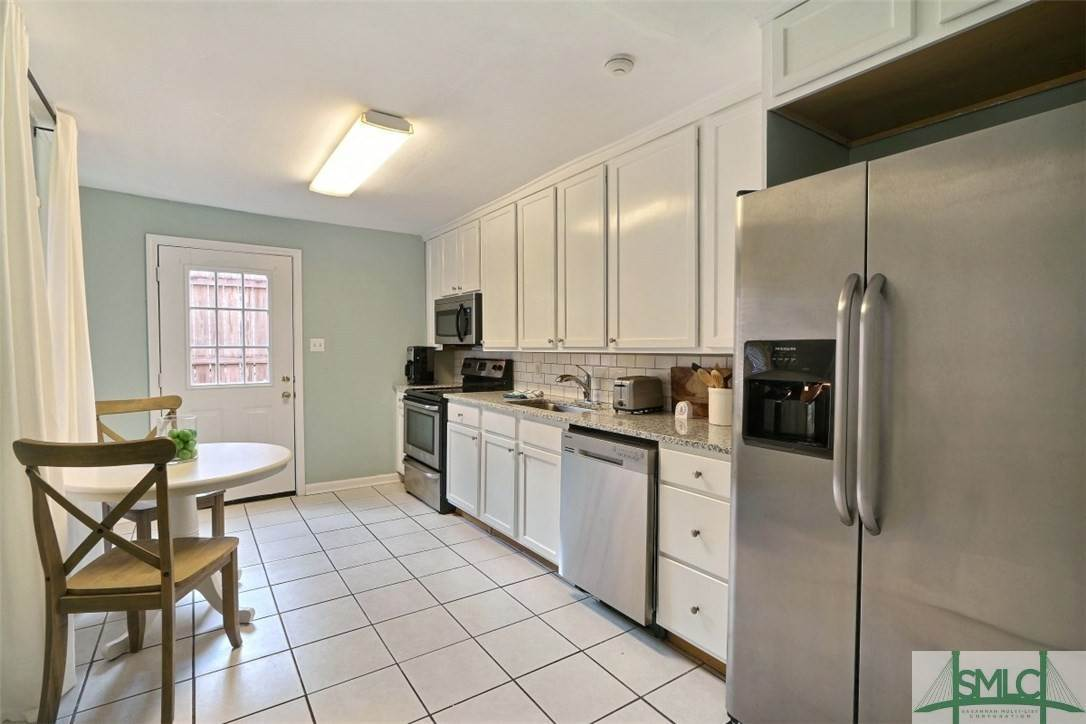 6. Residential Income for Sale at 519 E Broad Street 519 E Broad Street Savannah, Georgia 31401 United States