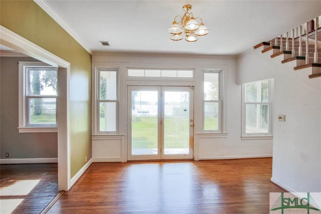 10. Residential for Sale at 730 Wilmington Island Road 730 Wilmington Island Road Savannah, Georgia 31410 United States