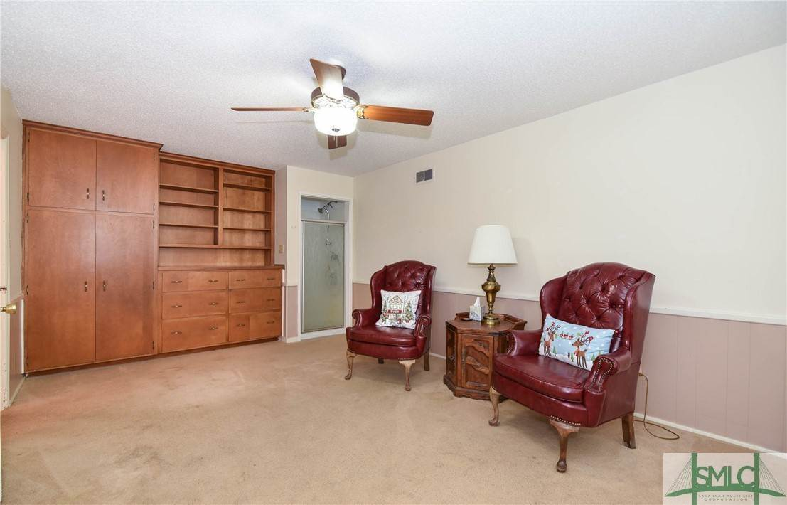 18. Residential for Sale at 1 Fallowfield Drive 1 Fallowfield Drive Savannah, Georgia 31406 United States