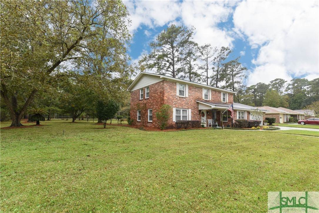 2. Residential for Sale at 1 Fallowfield Drive 1 Fallowfield Drive Savannah, Georgia 31406 United States