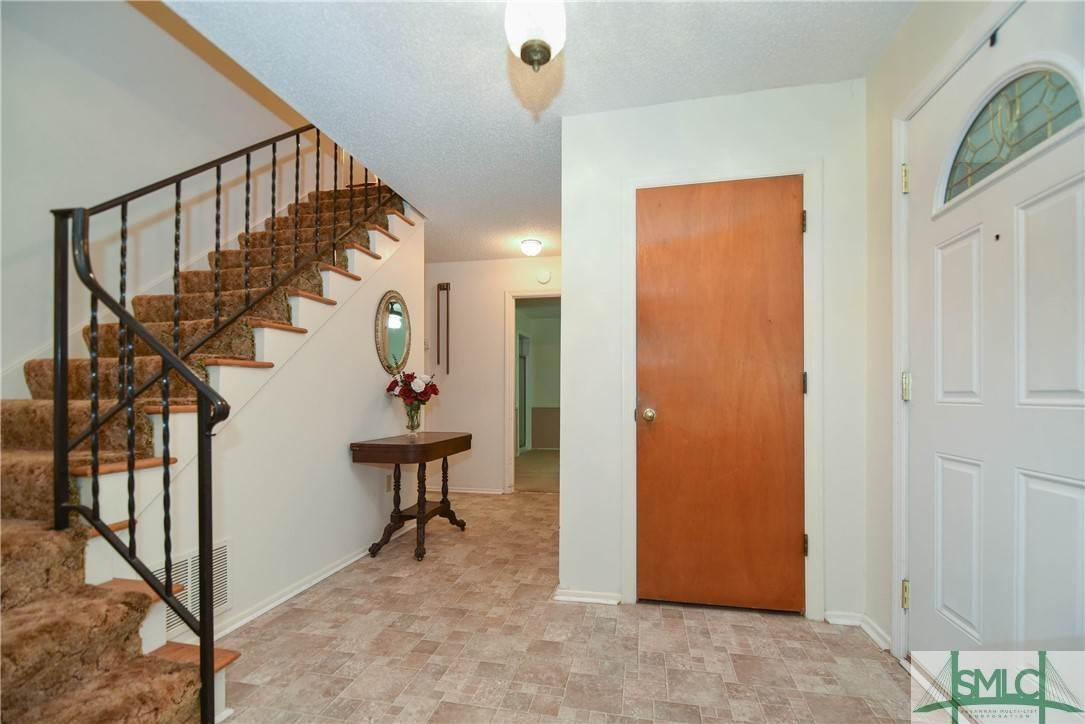 4. Residential for Sale at 1 Fallowfield Drive 1 Fallowfield Drive Savannah, Georgia 31406 United States