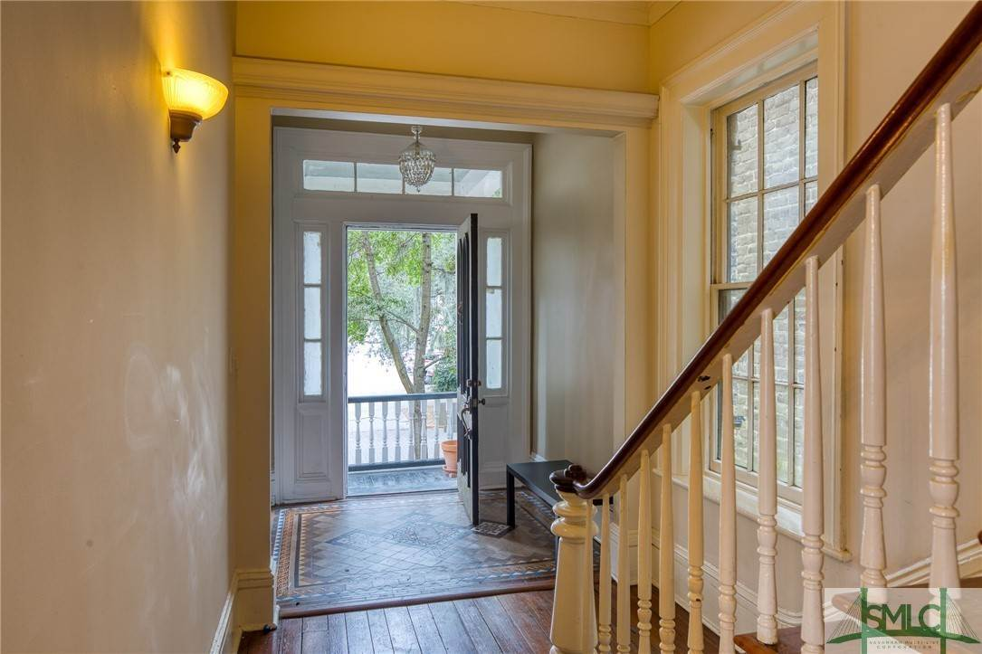 10. Residential for Sale at 101 E Jones Street Savannah, Georgia 31401 United States