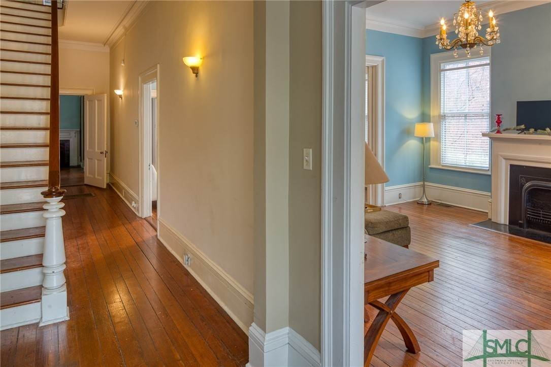 11. Residential for Sale at 101 E Jones Street Savannah, Georgia 31401 United States