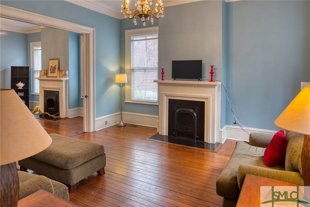14. Residential for Sale at 101 E Jones Street Savannah, Georgia 31401 United States