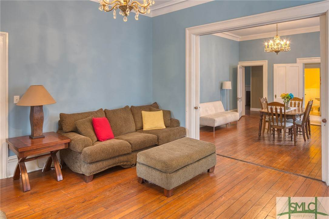 15. Residential for Sale at 101 E Jones Street Savannah, Georgia 31401 United States