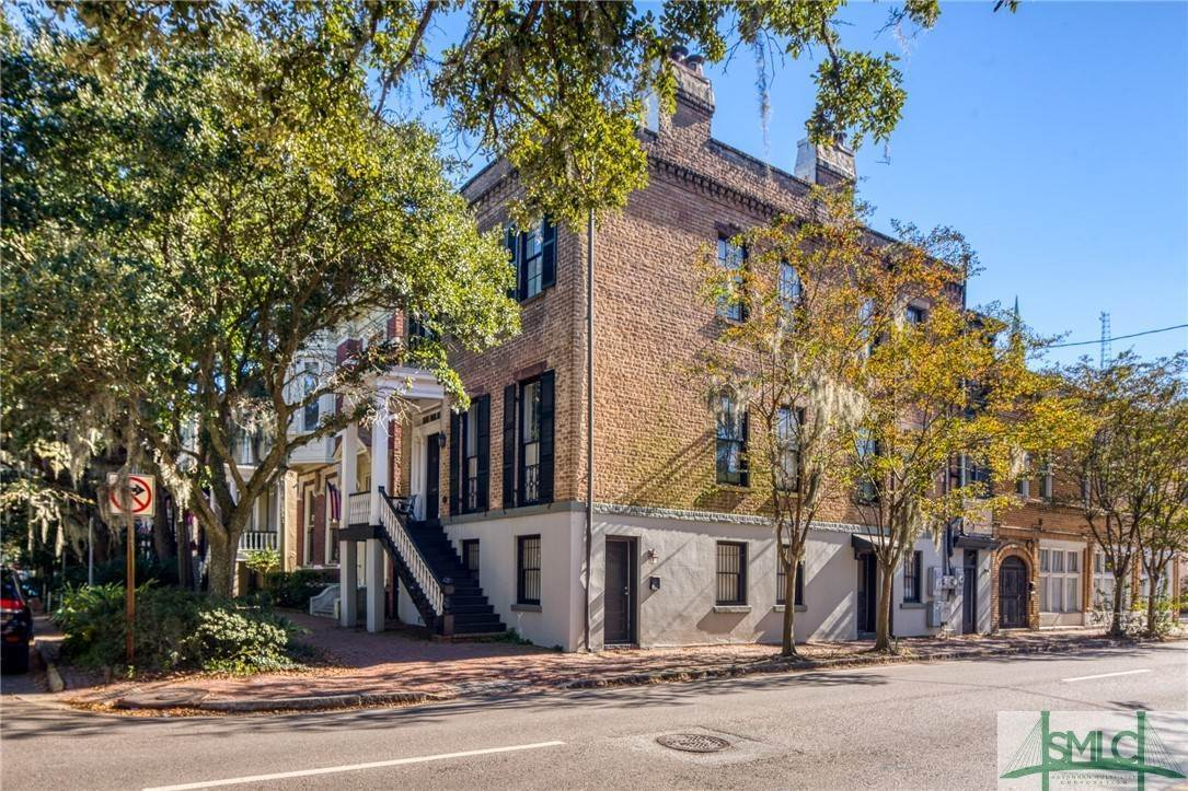 4. Residential for Sale at 101 E Jones Street Savannah, Georgia 31401 United States