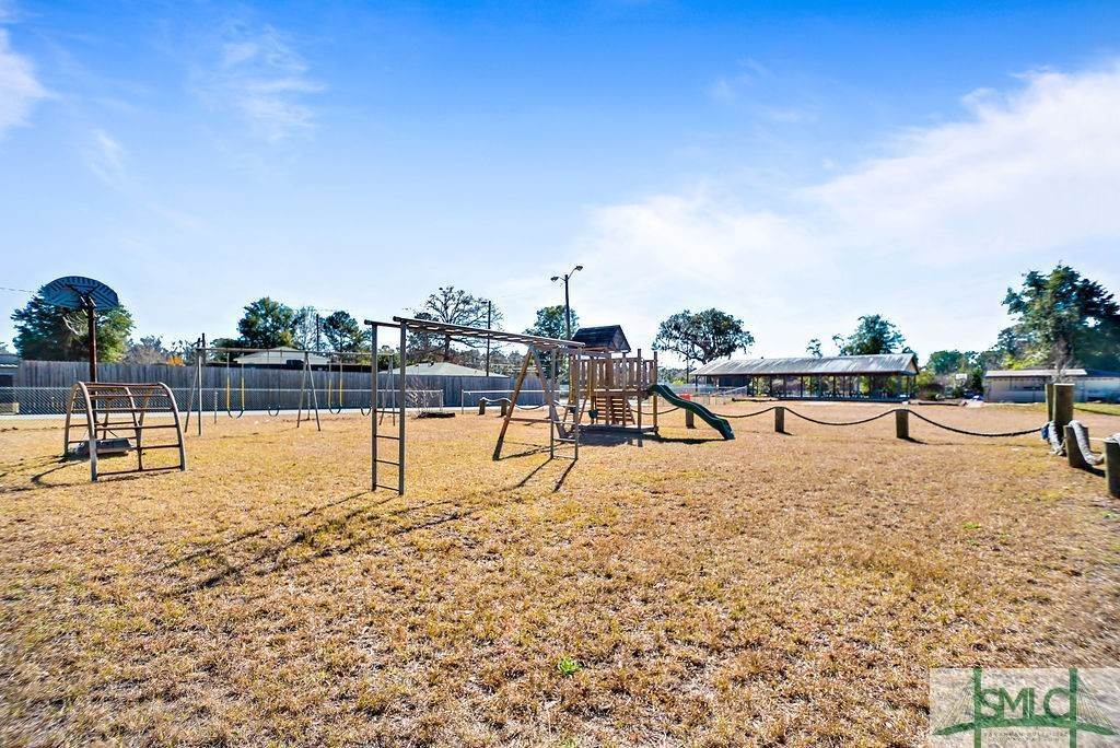 5. Commercial for Sale at 700 Christopher Drive 700 Christopher Drive Savannah, Georgia 31406 United States