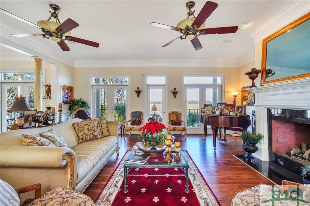 15. Residential for Sale at 9651 Whitefield Avenue 9651 Whitefield Avenue Savannah, Georgia 31406 United States