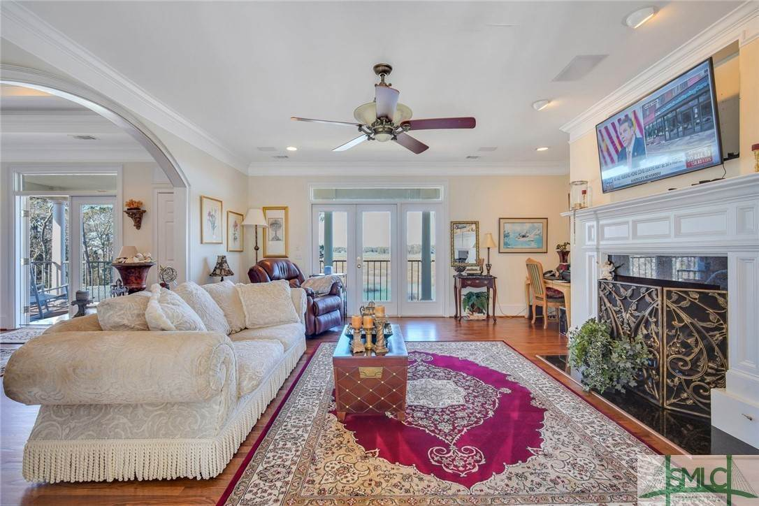 26. Residential for Sale at 9651 Whitefield Avenue 9651 Whitefield Avenue Savannah, Georgia 31406 United States