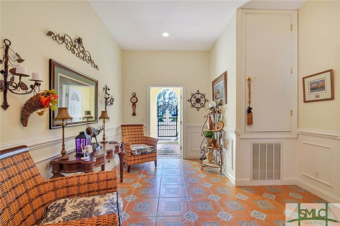 38. Residential for Sale at 9651 Whitefield Avenue 9651 Whitefield Avenue Savannah, Georgia 31406 United States