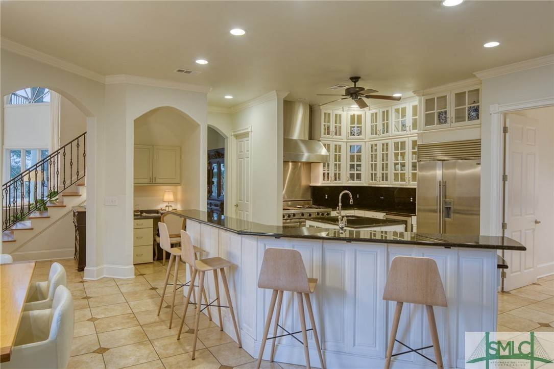 16. Residential for Sale at 10 Judsons Court 10 Judsons Court Savannah, Georgia 31410 United States