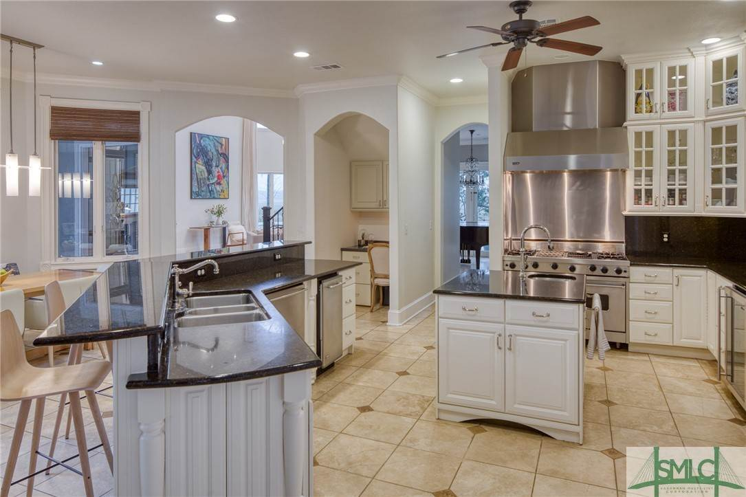 17. Residential for Sale at 10 Judsons Court 10 Judsons Court Savannah, Georgia 31410 United States