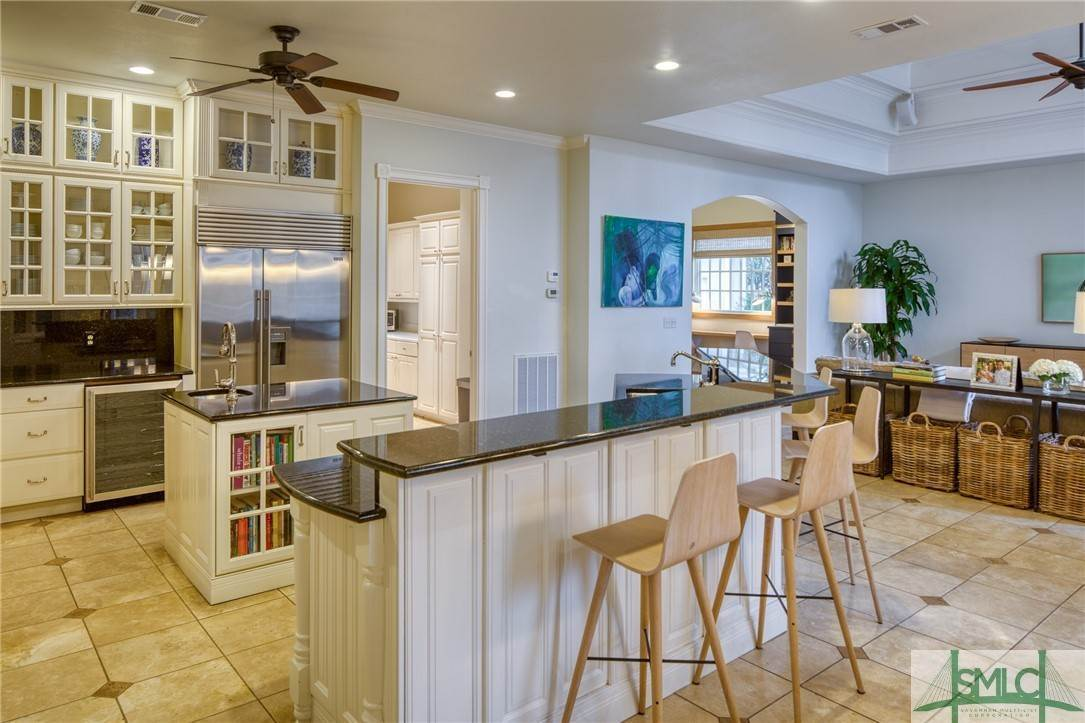 18. Residential for Sale at 10 Judsons Court 10 Judsons Court Savannah, Georgia 31410 United States