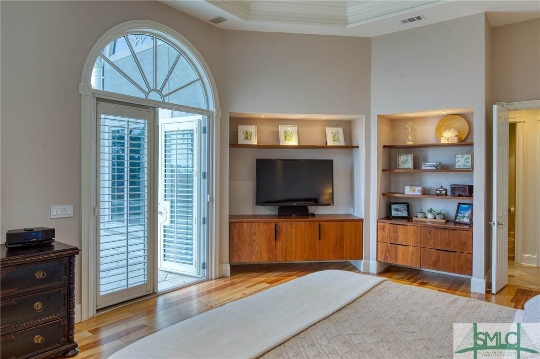 25. Residential for Sale at 10 Judsons Court 10 Judsons Court Savannah, Georgia 31410 United States