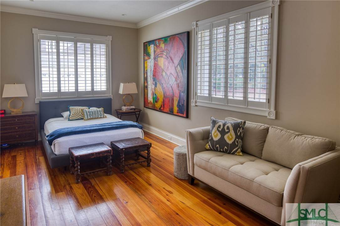 32. Residential for Sale at 10 Judsons Court 10 Judsons Court Savannah, Georgia 31410 United States