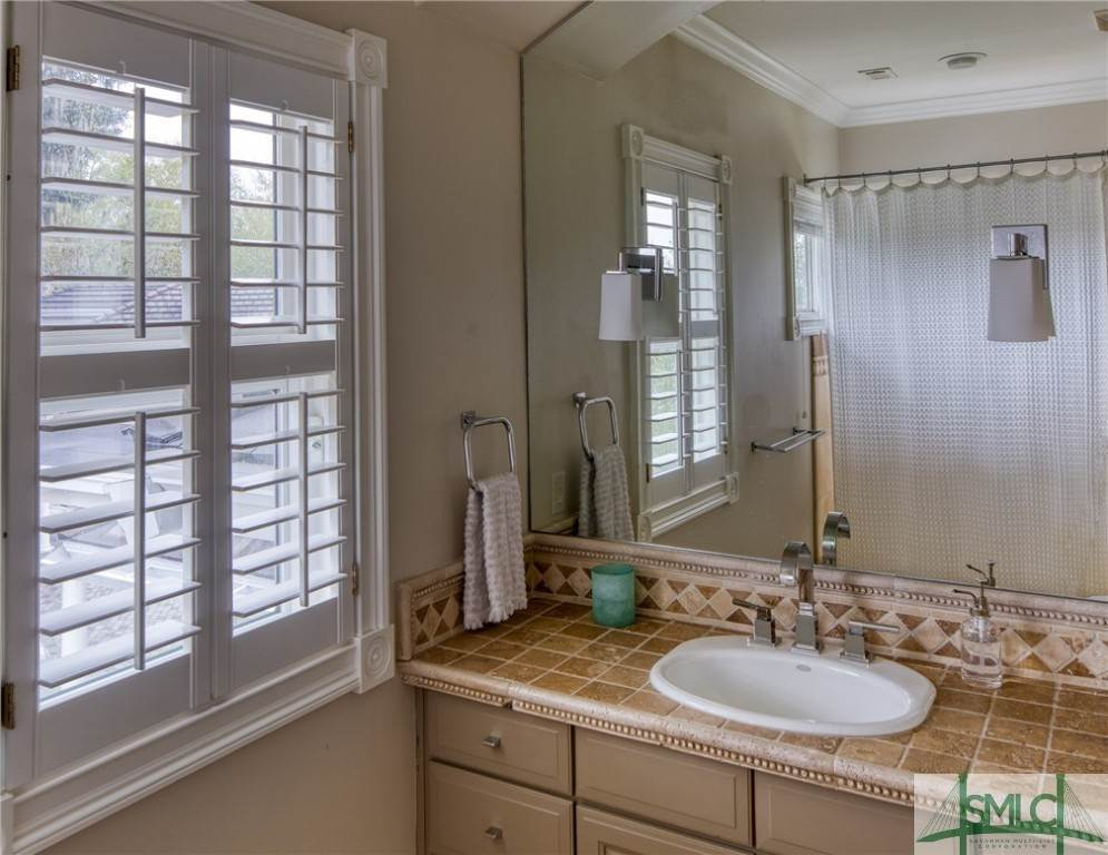 42. Residential for Sale at 10 Judsons Court 10 Judsons Court Savannah, Georgia 31410 United States