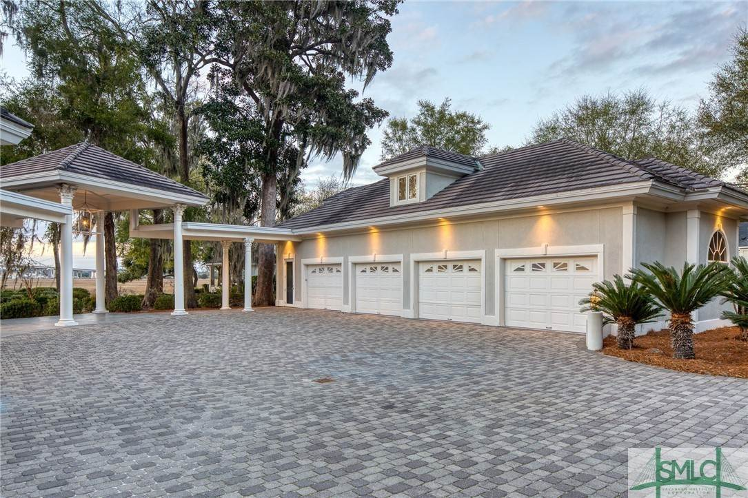 6. Residential for Sale at 10 Judsons Court 10 Judsons Court Savannah, Georgia 31410 United States