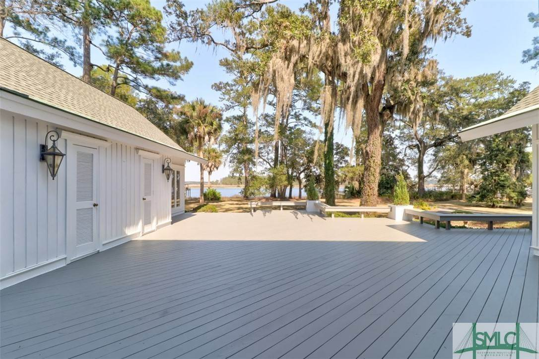 39. Residential for Sale at 512 Moon River Court 512 Moon River Court Savannah, Georgia 31406 United States