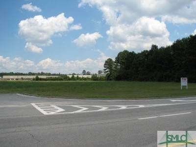Commercial for Sale at 1224 E US 80 Highway 1224 E US 80 Highway Bloomingdale, Georgia 31302 United States